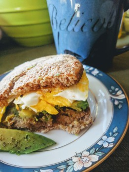 Hanna made me this amazing avocado-egg-muffin-creation!