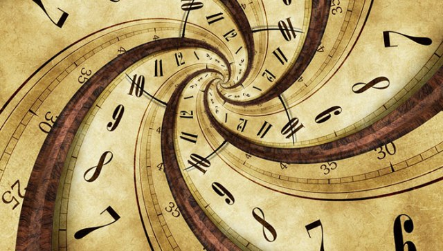 StretchedClock_Fotolia_62830953-700x400